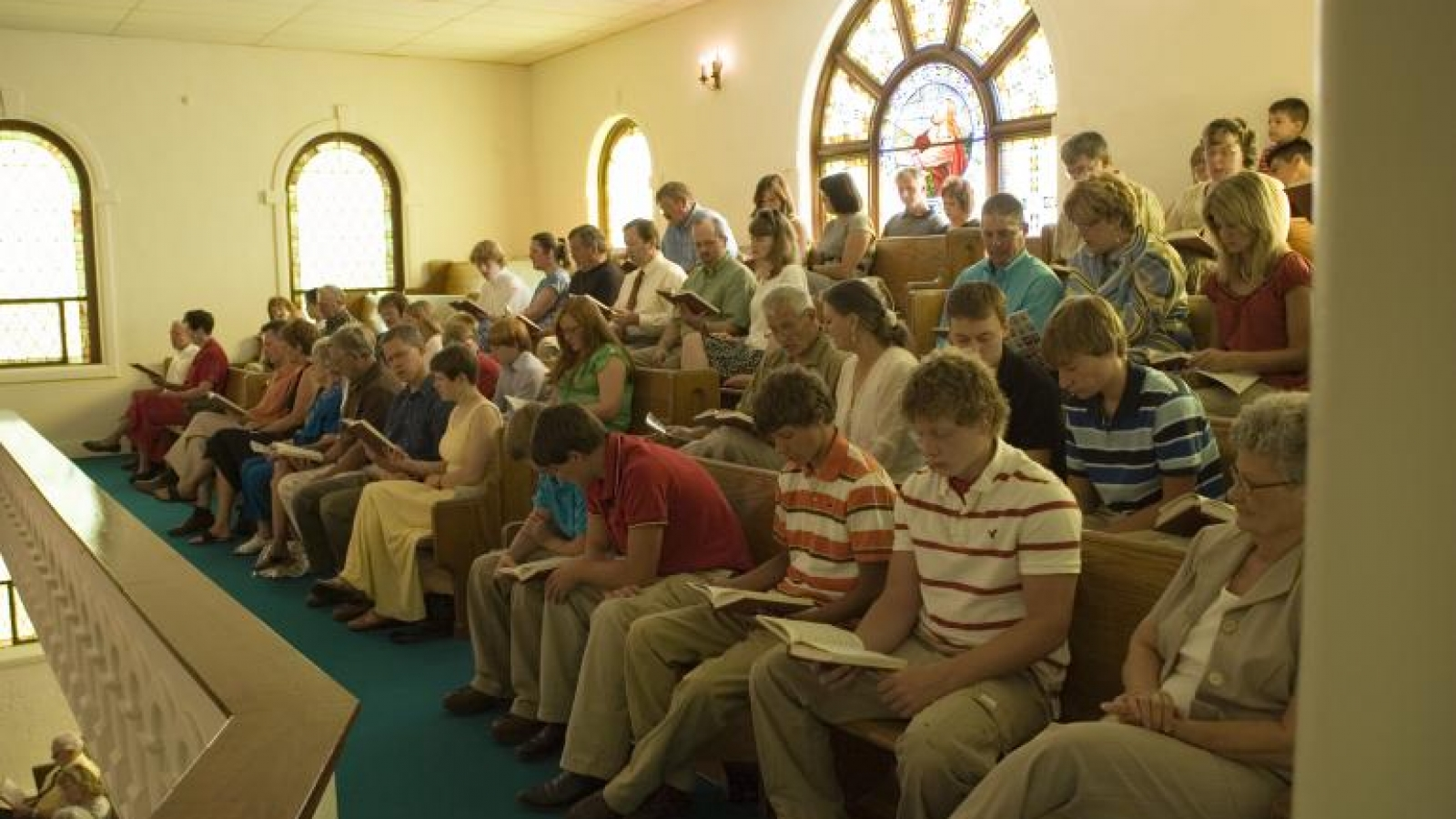congregation3.jpg